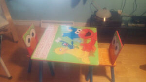 Table d'enfant sesame street