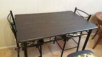 MOVING SALE: Dining table $ 90