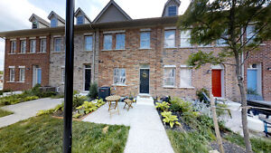 Freehold Newly built Townhouse