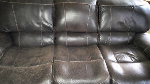 Italian soft genuine leather couch\each end recilnes.