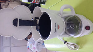 Black and Decker coffee maker (small)