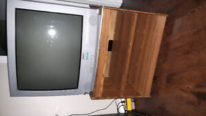 Sonyo tv 28inch with stand