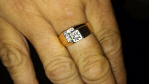 Man 10k gold and diamond ring