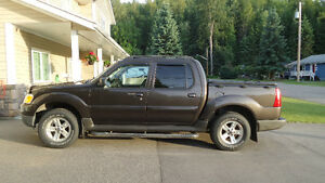 2005 Ford Explorer Sport Trac Fully Loaded SUV, Crossover
