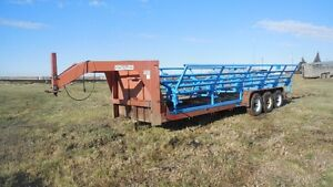 Tri haul bale deck 24' with Lift off trailer 24'