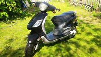 Scooter Piaggio model FLY  2007