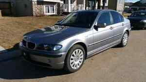 2004 BMW 320i Sedan. Low Kms. Clean and Well Maintained!
