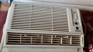 8000 btu air conditioner with remote...excellent condition