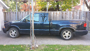 As is 1999 GMC Sonoma Pickup Truck