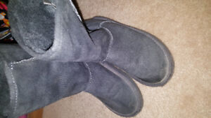 Toddler size  11 boots euc