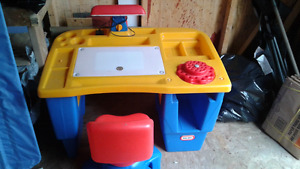 Little Tykes Lighted Desk With Chair