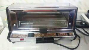 Four grille-pain; Toaster oven