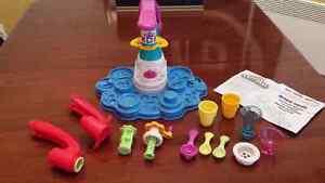 Ensemble de pâte à modeler Play-Doy La crèmerie