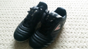 Soccer shoe - youth size 3