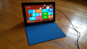 64 GB Surface Pro 1 with Windows 8 + blue touch keyboard