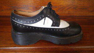 Dr. Martens Original (Made in England) Bex Shoes