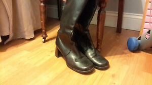 Brown leather Hush Puppies boots