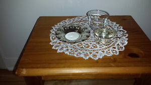 silver-plated tea-cups and saucers. West Island Greater Montréal image 4