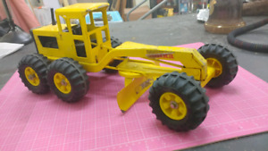 Big Tonka snow removal tractor diecast model