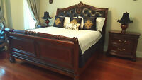 Luxury King Size Bedroom Set Wood/Leather+ 2Night Tables +!
