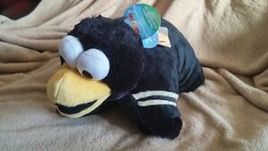 Pittsburgh Penguin Official Pillow pet . NEW