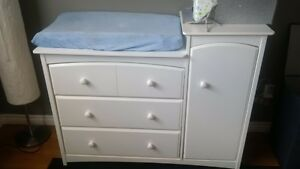 3 in 1 crib and change table