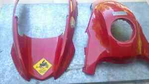 Red beak and gas tank cover r1200gs