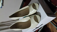 Ladies Shoes Call it Spring Size 7.5 Cream color