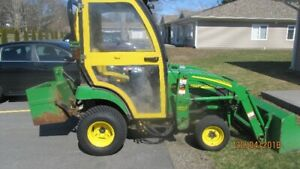 PRICE REDUCED!!! 2013 JOHN DEERE 2025R TRACTOR WITH MOWER