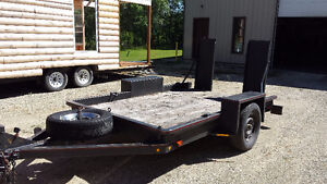 HEAVY DUTY DECK TRAILER WITH RAMPS AND PINTLE HITCH