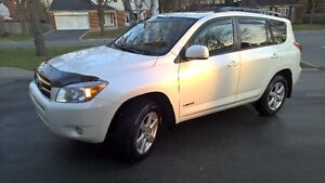 2007 Toyota RAV4 Limited + Leather SUV, Crossover