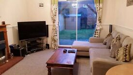 Furnished double. Parking & garden.Bills included