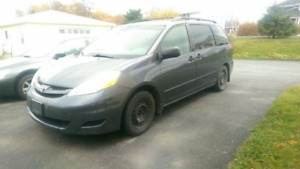 2007 Toyota Sienna CE Minivan, Van ($4,500 0b0) PRICE REDUCED