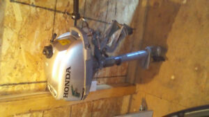 moteur de pêche 2hp  honda