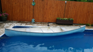 GET ON THE WATER!!  16 ft fibre glass canoe