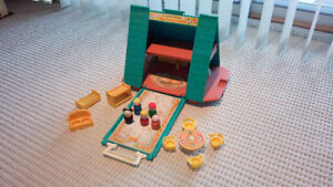 FISHER PRICE LITTLE PEOPLE A FRAME HOUSE AND ACCESSORIES
