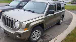 2008 JEEP PATRIOT FWD AUTO IN MINT CONDITION 4cyl.  $3980