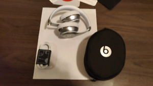 Beats by Dr. Dre Solo3 On-Ear Sound Isolating Bluetooth Headpho