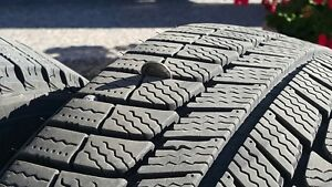 MichelinX Ice comme neuf 215/55R:Virtually new W/tires < 2000kms