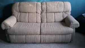 Pull Out Love Seat Couch