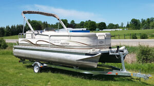 pontoon and fishing boat rentals in Perth and area