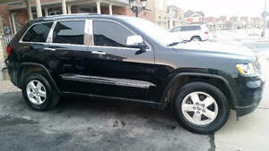 2011 Jeep Grand Cherokee Laredo - only 71,000km