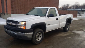 Parting out 2004 chevrolet 2500HD