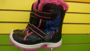 (417A) Girls Winter Boots SOREL - Size 4Y