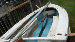 14 foot fiberglass sail boat with 10 foot mast and trailer