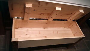 Solid wood table and bench with storage Gatineau Ottawa / Gatineau Area image 2