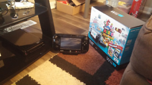 **Wii-U GREAT Condition, Like NEW with original box/pakaging**