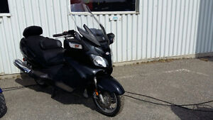 SUZUKI BURGMAN 650 EXECUTIVE 2010