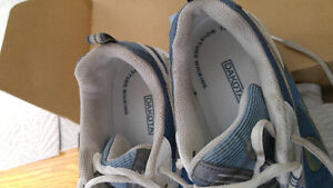 Size 9 women's safety shoes London Ontario image 3