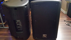 Electro Voice ZX3 2 Speakers with stands and bags (1200 watts)